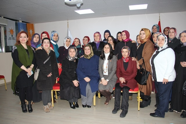 Tuzla'nın Kadın Kolları Başkan Adayı Derya Bacacı 11