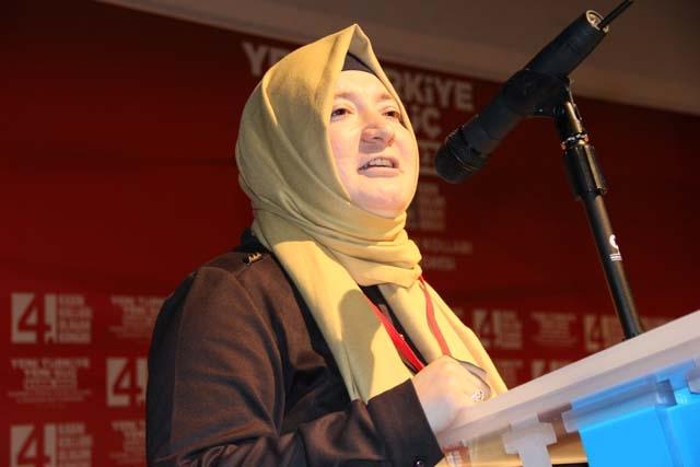 Ak Parti Pendik Kadın Kolları Başkanı Öznur Canayakın oldu 13