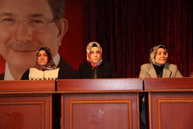 Ak Parti Pendik Kadın Kolları Başkanı Öznur Canayakın oldu 2
