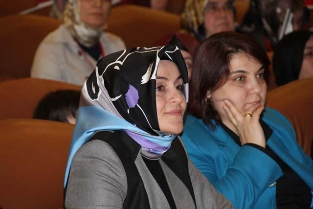 Ak Parti Pendik Kadın Kolları Başkanı Öznur Canayakın oldu 4