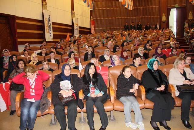 Ak Parti Pendik Kadın Kolları Başkanı Öznur Canayakın oldu 7