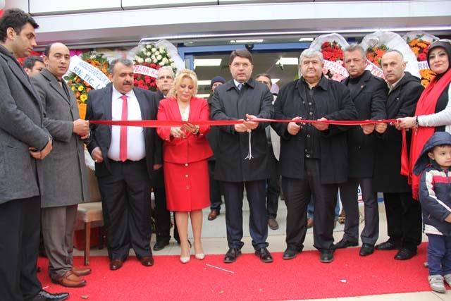 Yeni İstanbul Marketi'nin Açılışı Gerçekleşti 1