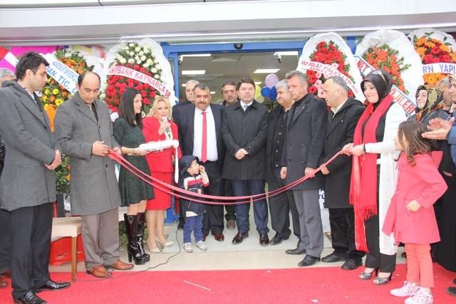 Yeni İstanbul Marketi'nin Açılışı Gerçekleşti 7