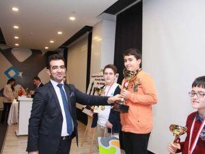 Era Kolejleri Santranç Turnuvası Ödül Töreni