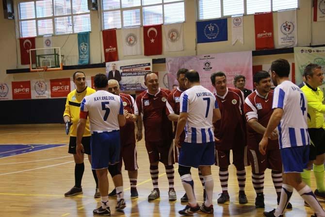 Salon Turnuvasında Erzurumlular, Tokatlıları 5-2 Yendi 13