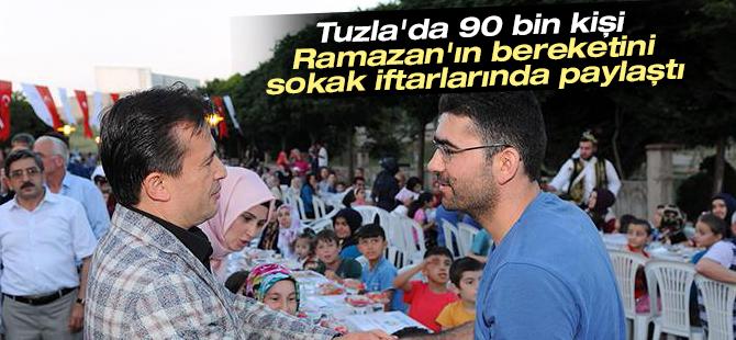 Tuzla'da 90 Bin Kişi Ramazan'ın Bereketini Sokak İftarlarında Paylaştı