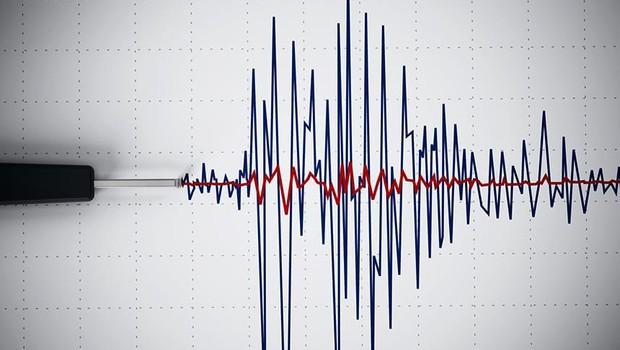 Ege'de DEPREM! 6,3 büyüklüğünde deprem meydana geldi