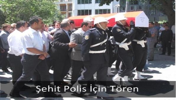 Şehit Polis İçin Tören