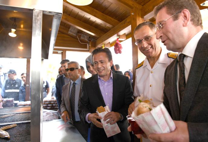 Balık-Ekmek Nostaljisi ve Lezzeti Artık Tuzla'da