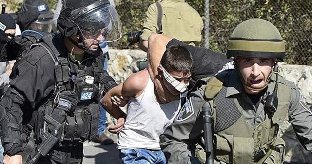 Mescid-i Aksa'da Filistinlilere saldırı!