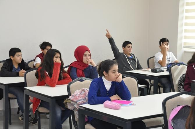 Pendik Belediyesi'nden 7 mahallede öğrencilere etüt desteği