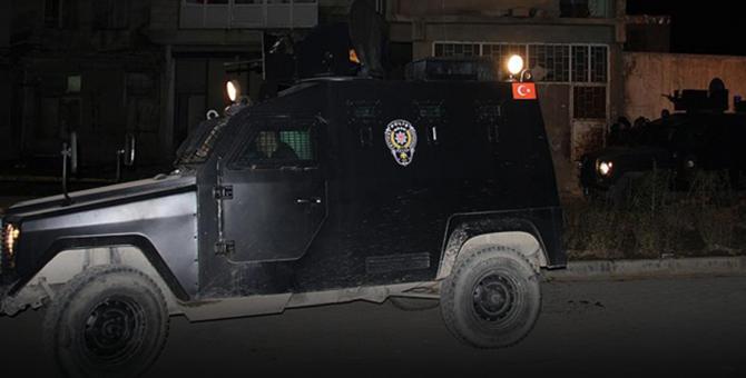 AK Parti binasına bombalı saldırıyı çocuğa yaptırmışlar