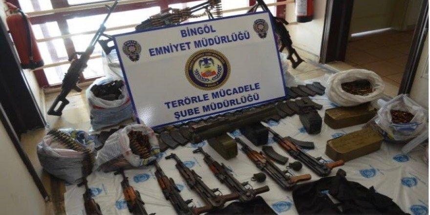Bingöl'de DEAŞ operasyonu: Cephanelik gibi araç ele geçirildi