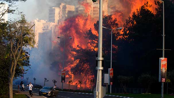 Zeytinburnu'nda iş yerinde yangın: 1 ölü, 10 yaralı