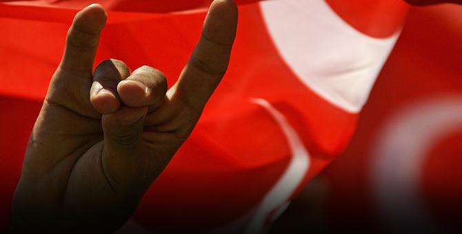 MHP'de Şok Gelişme: Hangi isim Akşener'in yeni partisine geçiyor