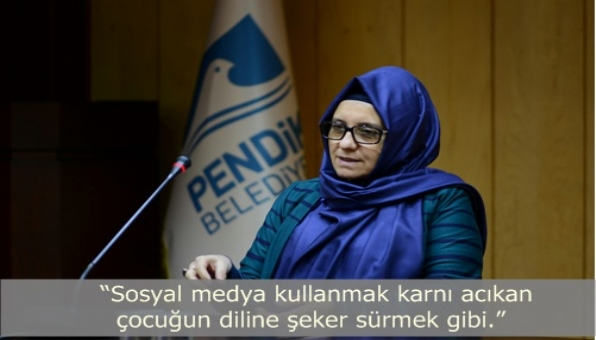 Yeni Şafak Gazetesi yazarı Fatma Barbarosoğlu´ndan Sosyal medya ile ilgili çarpıcı açıklamalar