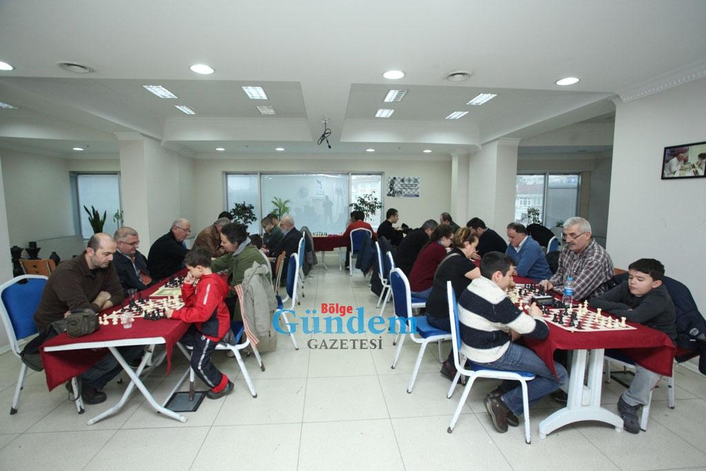 Geleceğin Satranç şampiyonları Kartal'da Yetişiyor