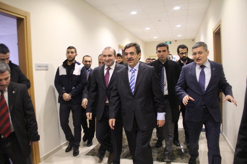 Pendik Hamid Aytaç Kültür Merkezi Açıldı