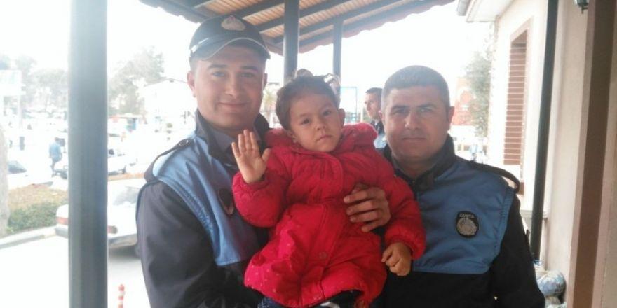 Cinnet getiren baba, karısı ve çocuklarını öldürüp intihar etti