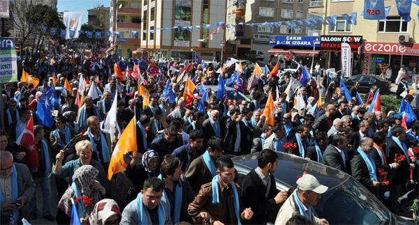 Akparti Kartalda Sevgi Yürüyüşü Yaptı