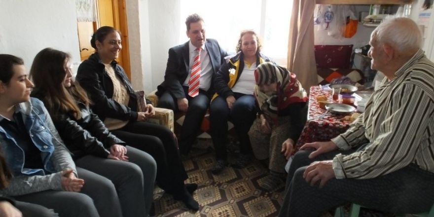 Davutoğlu bayrama Konya'da girdi