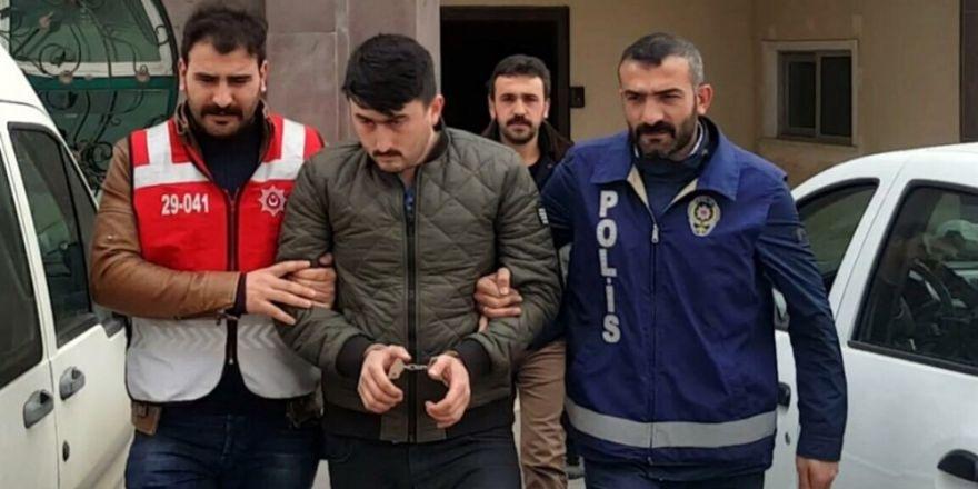 Bursa'da fabrika yangınında 1 itfaiye eri yaralandı