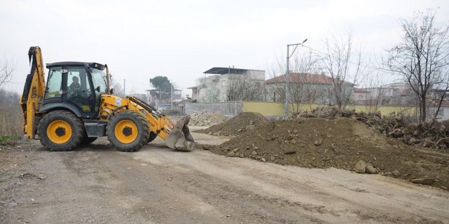 Koza İpek Holding'e ait arsalarda mehterli yıkım