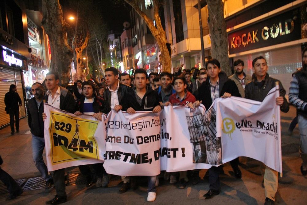 Pendik'te, Mısırda Alınan İdam Kararlarına Protesto