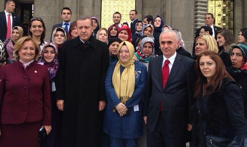 Başbakan'dan Pendik Kadın Kollarına Teşekkür