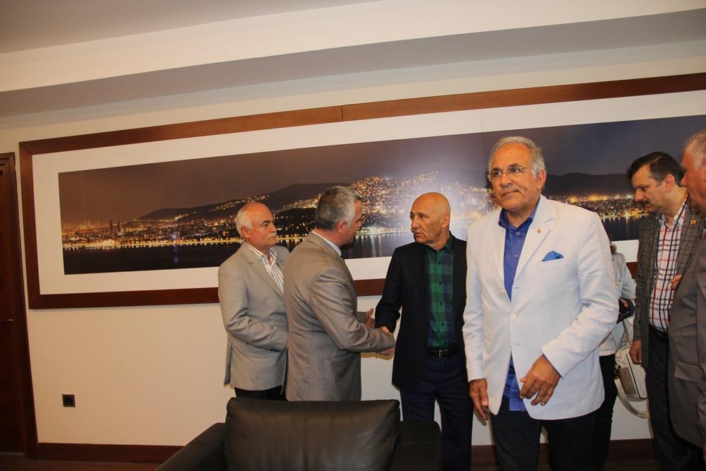 AYGAD Yöneticileri Altınok Öz'ü Makamında Ziyaret etti