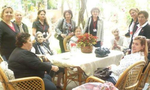 CHP Kadın Kollarından Anneler Günü Ziyareti