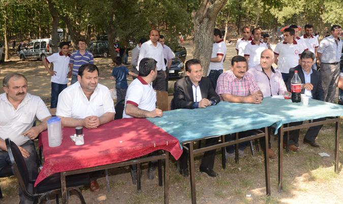 """Şadi Yazıcı """"Kırşehirliler Derneği Pikniğine katıldı"""""""