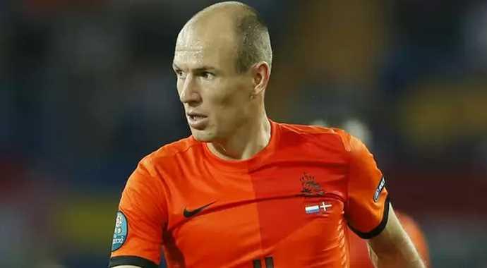 Robben Müthiş Gollü Spikeri Bile  Şaşırttı (video)