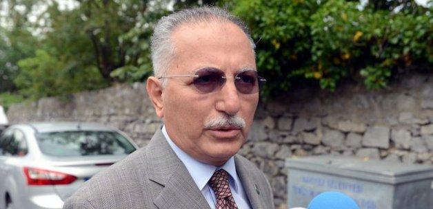 İki partiden daha İhsanoğlu'na destek