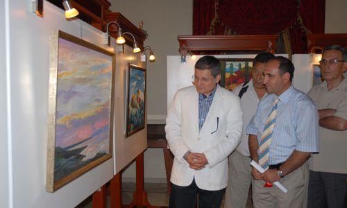 Kırgız sanatçılar eserleriyle büyüledi