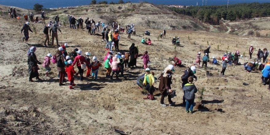 """Çanakkale'de """"15 Temmuz Demokrasi Şehitleri Hatıra Ormanı"""" oluşturuldu"""
