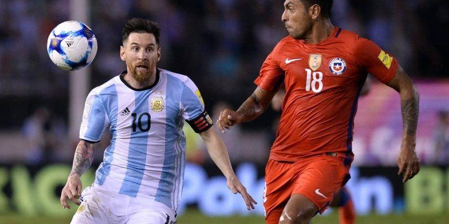 Arjantin'i Messi sırtladı