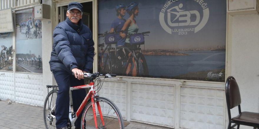 Emekliliğinde tanıştığı bisikletle Türkiye'yi geziyor