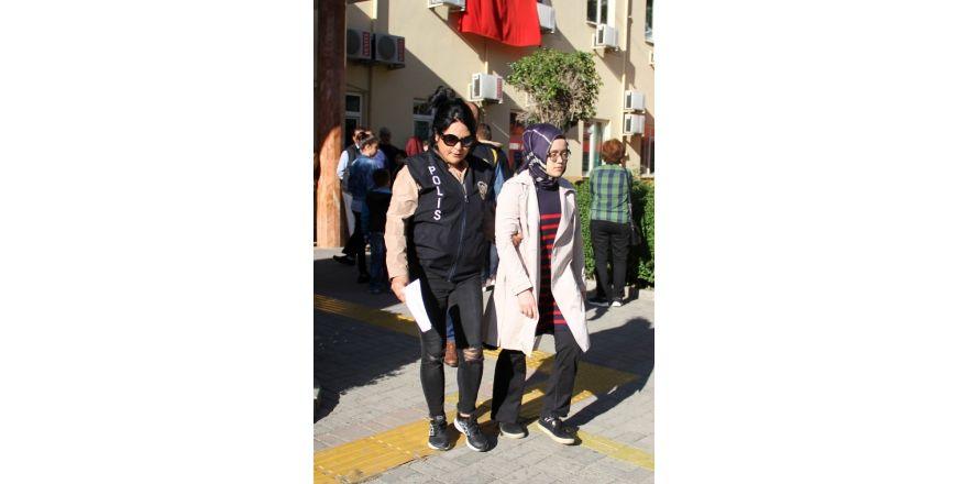 Antalya'da FETÖ operasyonunda 5 kişi gözaltına alındı