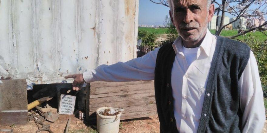 """Çiftçinin """"elim ayağım"""" dediği çapa ve odun kesme makinesini çaldılar"""