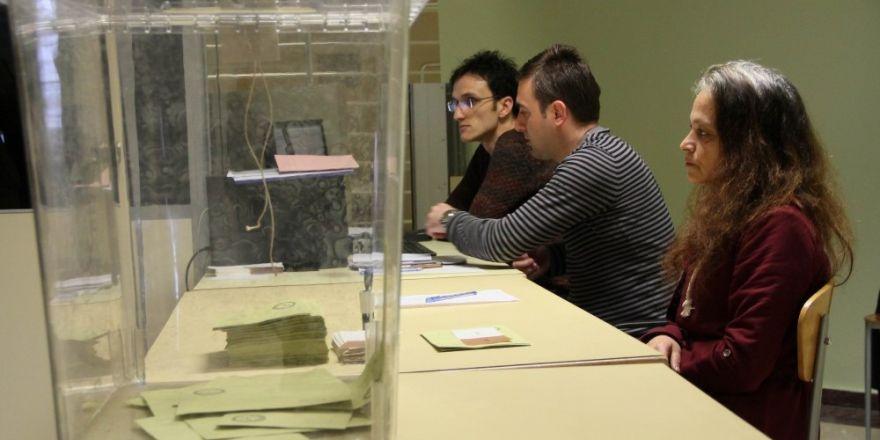 Samsun'da gümrük kapılarında oy kullanma işlemleri başladı