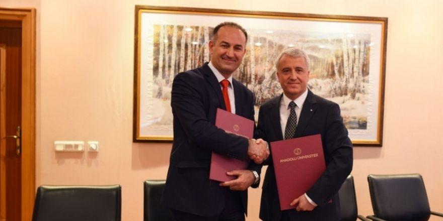 Anadolu Üniversitesinin Kosova Prizren Üniversitesi ile iş birliği