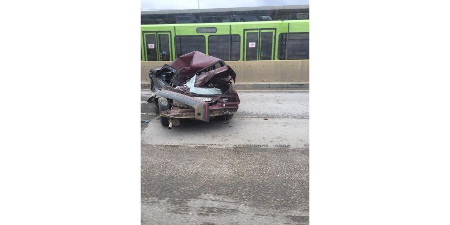 Bursa'da inanılmaz kaza...Bu araçtan sağ çıktı