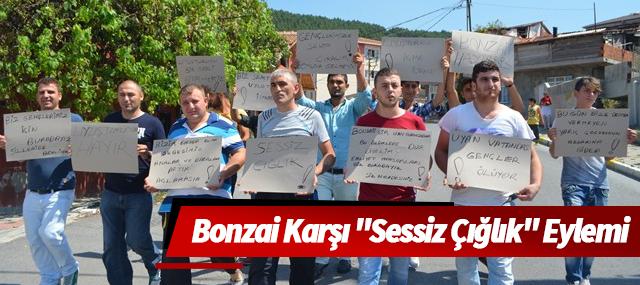 """Sultanbeyli'de Bonzai Karşı """"Sessiz Çığlık"""" Eylemi"""