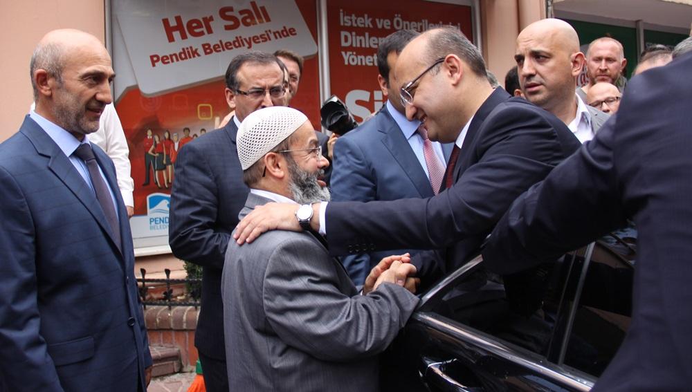 Yalçın Akdoğan, Pendik Belediyesini Unutmadı