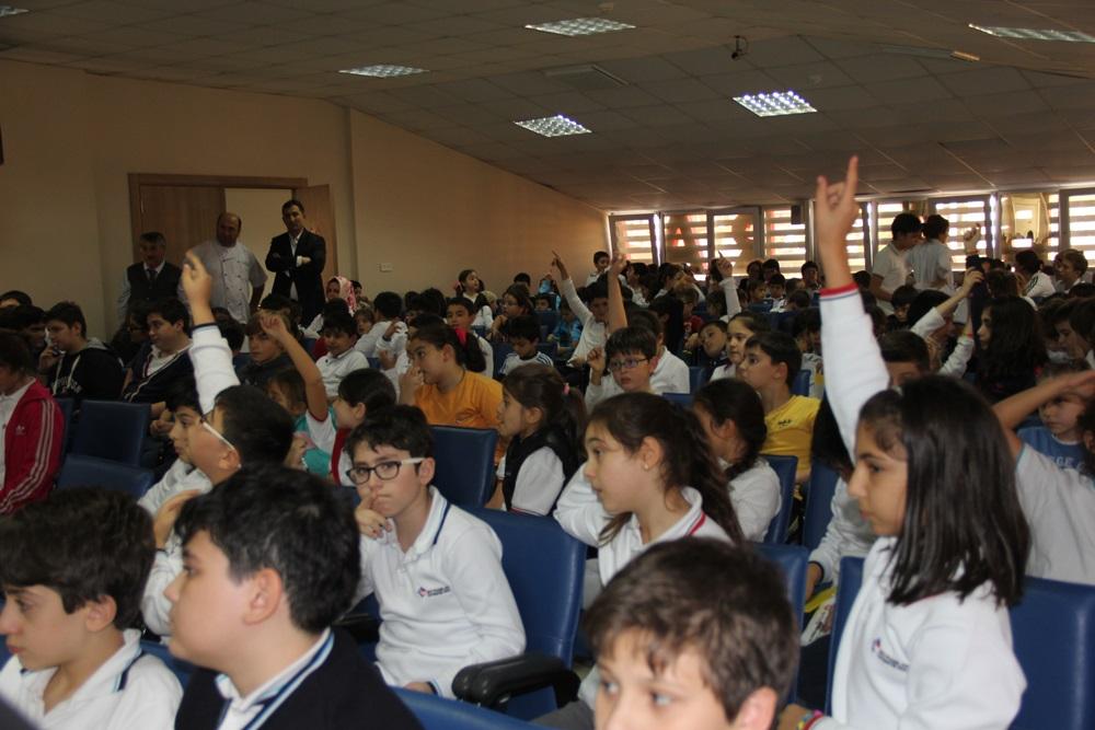 Pendikspor'lu Futbolcular  okul ziyaretinde bulundu