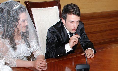 Evlenen çiftlere mutlu haber