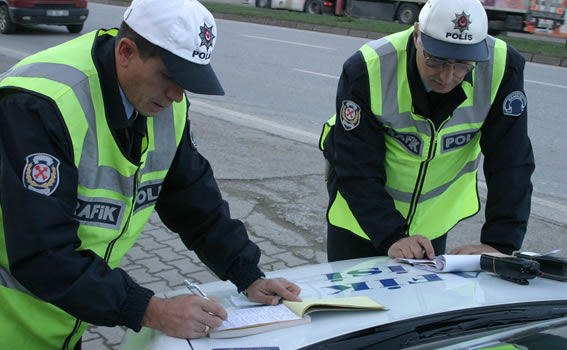 Trafik Polisine Ceza