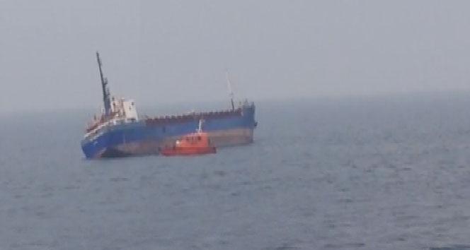 Tuzla'da gemi yan yattı