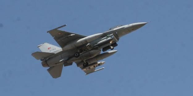 Suriye'den Türk savaş uçağına taciz